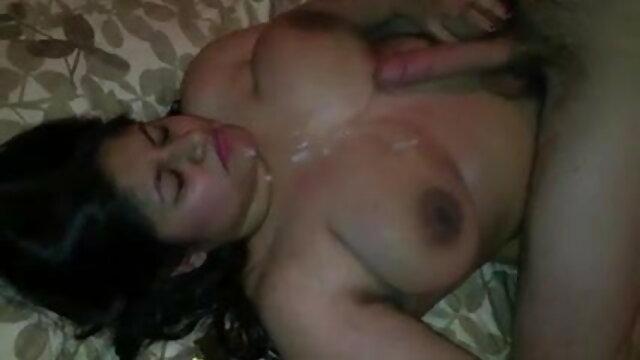 दो लड़कियां सेक्सी फुल मूवी इंग्लिश जो डिक से प्यार करती हैं