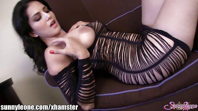 जान बर्टन ब्रिटिश परिपक्व सेक्सी मूवी वीडियो इंग्लिश उसकी योनी के साथ खेलता है