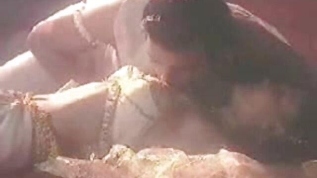 सुनहरे बालों हिंदी सेक्सी मूवी इंग्लिश वाली लैटिन सुडौल लड़की के साथ होटल बकवास