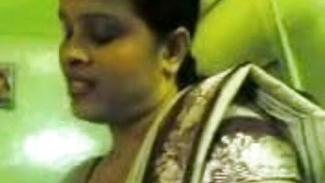 गर्भवती इंग्लिश फिल्म मूवी सेक्सी लड़की प्रकृति में गड़बड़