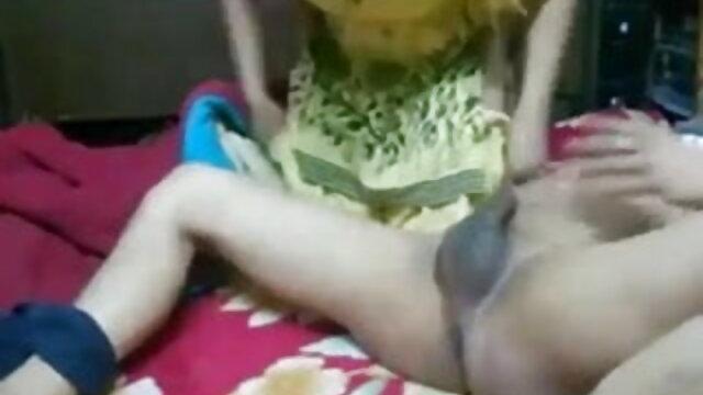 बस्टी सुमिर मात्सु पर उसके घुटने सेक्सी मूवी वीडियो इंग्लिश पर कॉक चूसना