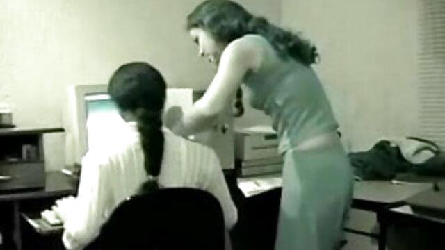 Silvie इंग्लिश सेक्सी मूवी वीडियो में