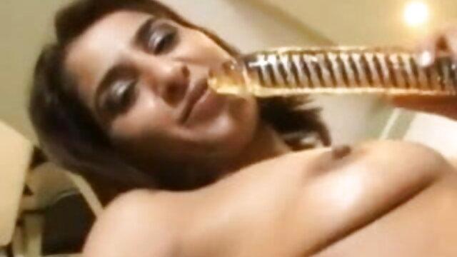 ऊँची इंग्लिश मूवी सेक्सी फिल्म एड़ी के जूते और मोज़ा में कमबख्त