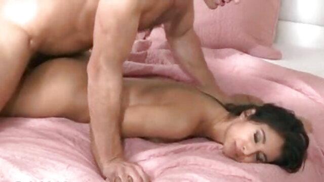 Pigtailed श्यामला बेक्का इंग्लिश सेक्स मूवी फिल्म हस्तमैथुन