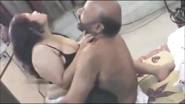 गर्म कोयल त्रिगुट इंग्लिश सेक्स वीडियो फुल मूवी