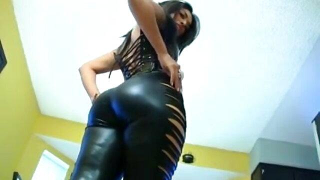 सनी का इंग्लिश में सेक्सी मूवी आभूषण