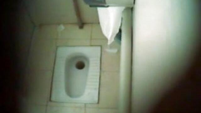 होटल इंग्लिश हिंदी सेक्स मूवी गैंगबैंग इन द डार्क